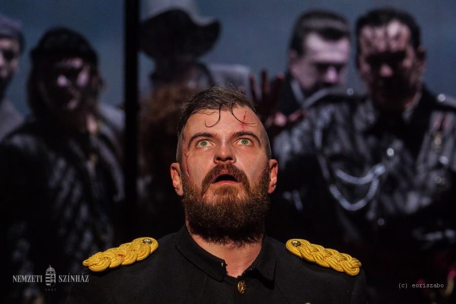 """""""Sok Coriolanus van manapság Ukrajnában"""" – álló taps jutalmazta a kijevi nemzeti színház Shakespeare-előadását"""