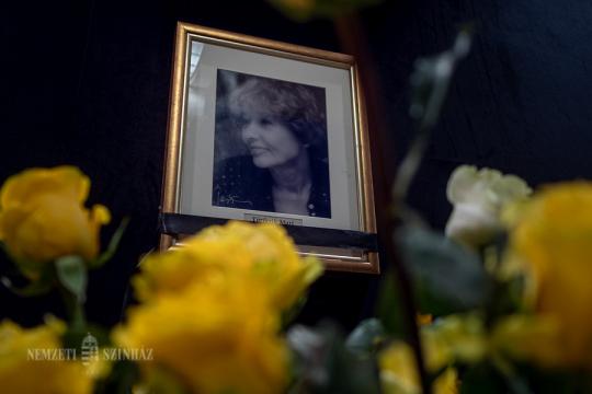 Neves művészek, alkotók, közéleti személyiségek emlékeznek meg Törőcsik Mariról