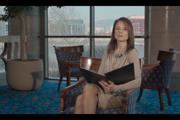 Helen Mirren üzenete Tóth Auguszta tolmácsolásában
