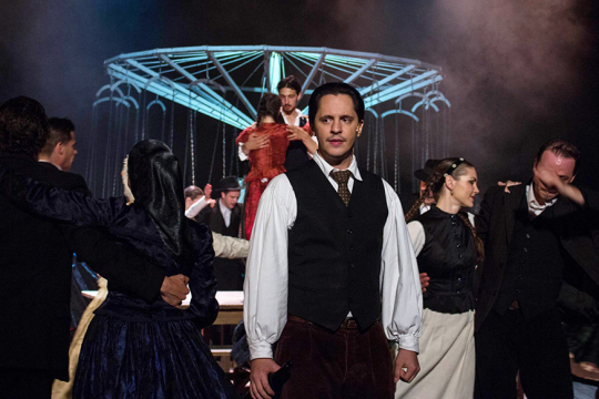 Teltházzal indult, vastapssal zárult a Vízi Színház megnyitó előadása