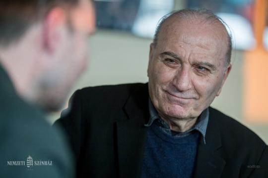 Dicsőítő színház - film Theodoros Terzopoulos görög rendezőről