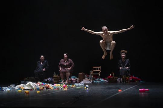 Olyan színházra törekszem, ami meglágyítja a szíveket - Beszélgetés Emma Dante-val