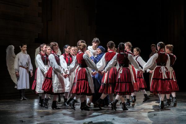 Képek a Nemzeti Színház Csíksomlyói passió előadásáról