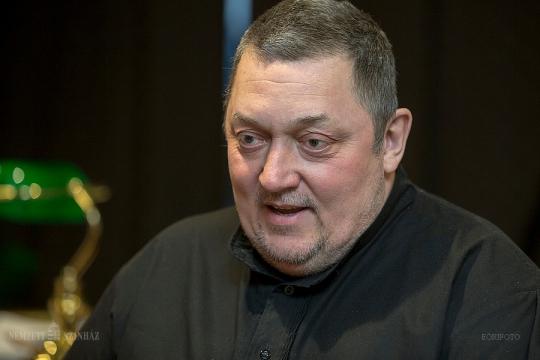 A Nemzeti Színház közleménye: Vidnyánszky Attila koronavírus tesztje ma pozitív lett