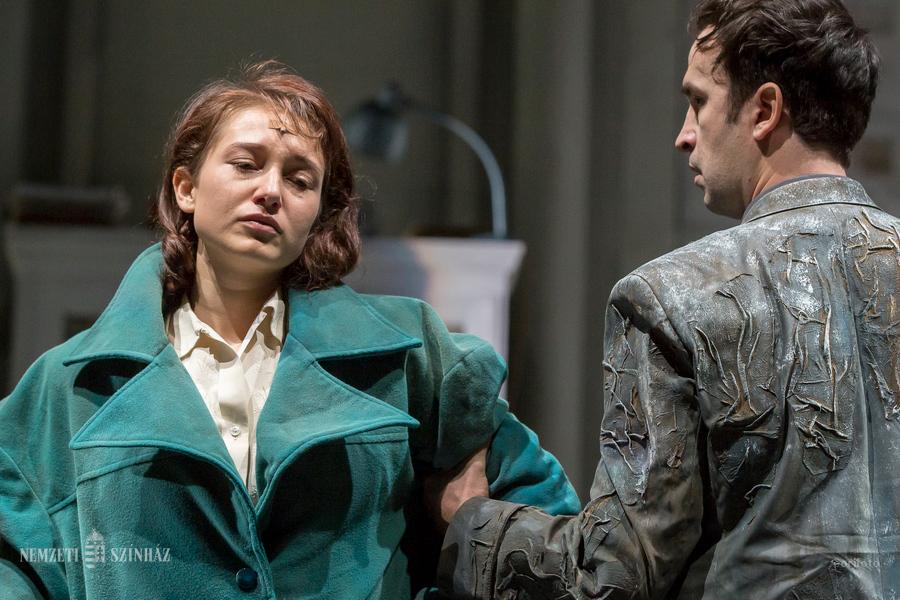 A kiszolgáltatottság jelenik meg a Tóth Ilonka című darabban