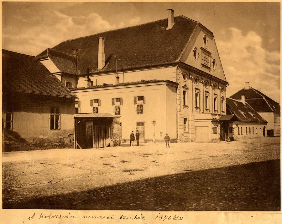 Trianon és a színház • 4.