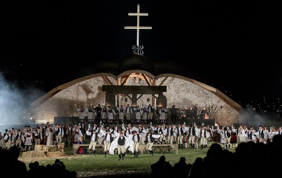 A Csíksomlyói passió turné a Duna tévében